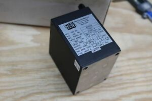 Martek Power Supply W28d2 5 Dc Power Supply 28vdc 2 5a 400hz Mil spec Aerospace