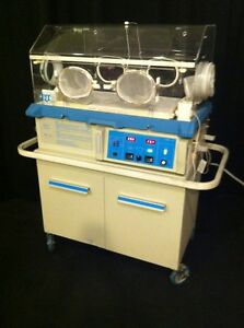 Air shields Vickers C100 Isolette Infant Incubator Warmer On Cart Excellent Cond
