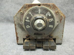 1955 Ford Fomoco Am Radio Push Button Core For Parts Or Rebuildable 25185