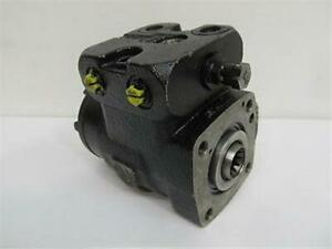 Char lynn Hydraulic Steering Control Unit Model No Le em e