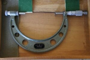 Mitutoyo 4 5 Anvil Disc Outside Micrometer 001 Graduations Japan