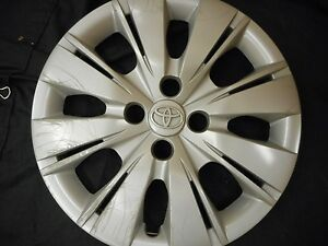 1 Used 15 Toyota Yaris Wheel Cover Hubcap Hollander 61164