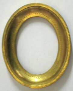 Vintage 4 5 X 3 5 Oval Hand Leafed Gold Wood Picture Frame Made In Italy Antique