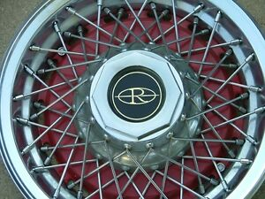 1977 78 Buick Riviera Wire Wheel Covers Set 4 Red Nos