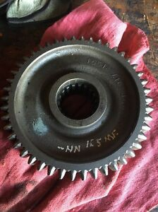 Massey Ferguson Tractor 165 Main Shaft Transmission Gear Pn 15518