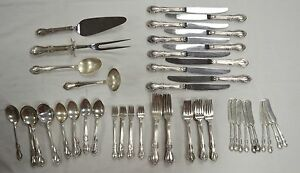 Fine Arts Southern Colonial Sterling Silver Flatware Set 87 Piece