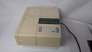 Hitachi U 1100 Analytical Laboratory Spectrophotometer