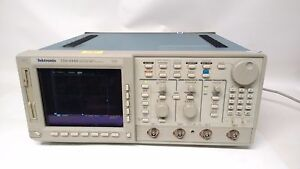 Tektronix Tds 644b Digital Real Time Oscilloscope 500mhz 4 Channels