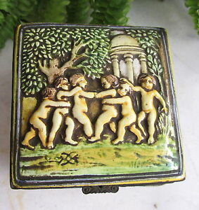 Antique Capodimonte Porcelain Trinket Jewelry Box W Cherubs Putti
