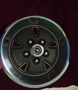 70 Ford Mustang Hubcap 14 X 7