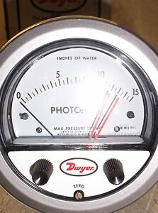 Dwyer Series 3000 Type 2 Photohelie Pressure Switch Gauge New Old Stock