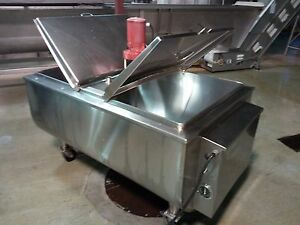 Sunset 200 Gallon Stainless Bulk Milk Tank With Agitator And Cooling Controls