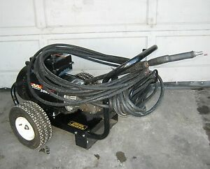 Mi t m 3000 Psi 3 9 Gpm Electric Cold Water Pressure Washer gc 3004 0me1