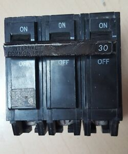 Ge Thql 30a 3 Pole 30 Amp Plug In Circuit Breaker
