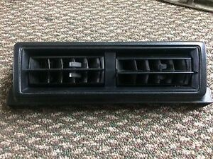 1979 1980 1981 1982 1983 Toyota Pickup Truck Hilux Lower Center Vent