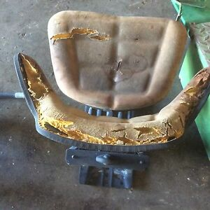 John Deere 2840 Seat Assembly Al36556 Also Fits 3030 3130