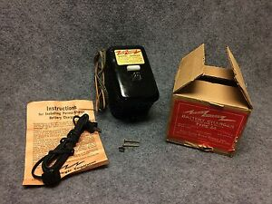 1940s Perma Charger 6 Volt Battery Charger Car Mounted Auto Accessory Nos 29850