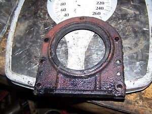 708904r1 International Farmall 354 424 444 B414 B275 Rear Oil Seal Retainer