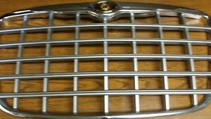 Chrysler 300 Grill Oem 2005 2010 Silver Chrome With Emblem