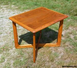 Vintage Mid Century Modern Lane Perception X Base Walnut End Table Entry Stand