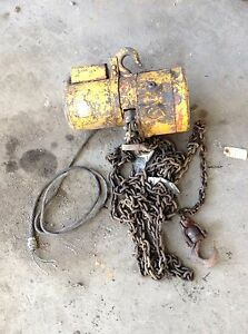 Used Wright C04211 1 Ton Electric Chain Hoist 110v 1ph 10fpm