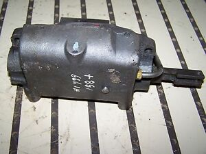 Case Ih 666 Lock Valve Assembly 389583r95 Also Fits 544 656 Hydro 86