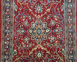 Soulful Sarouk 1940s Antique Persian Rug Floral Runner 4 10 X 13 10 Ft