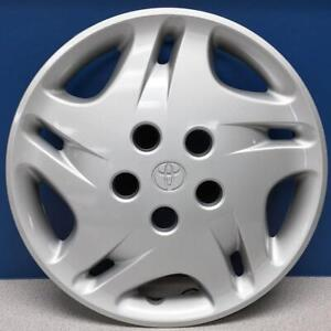 One 2001 2003 Toyota Sienna 61112 15 Hubcap Wheel Cover Oem 42621 Ae020 New