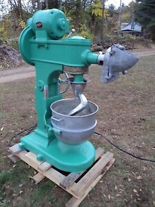 Used Hobart 80 Qt Dough Mixer M280 110 220 runs Smoothly cleaned repainted