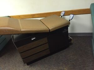 Midmark100 Medical Exam Table Adjustable Flexible W stirrups Drawers Unit 3