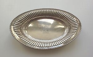 Vintage Meriden Sterling Silver 10 75 Oval Bread Tray 601 215 Grams