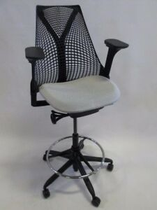 Herman Miller Sayl Stool Chair Excellent Condition
