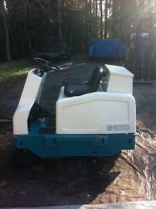 Tennant 6100 Rider Floor Sweeper Electric Reconditioned Free Shipping