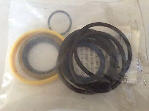 528604 A New Seal Kit For The Cylinder On A New Idea 5406 5407 Disc Mowers