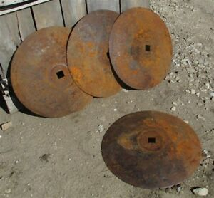 4 Plow Disc Blades Industrial Steampunk Farm International Vintage Cast Iron A32