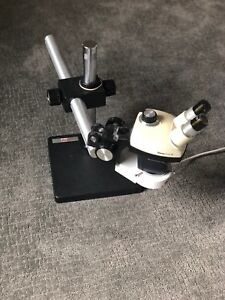 Leica Gz4 Stereo Zoom Microscope W Boom Stand Light 10x Eyepieces