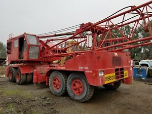 Manitowoc 2900t Truck Crane Good Condition Runs