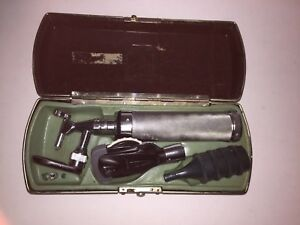 Welch Allyn Diagnostic Set Otoscope Ophthalmoscope Extra Bulb Full Speculum Set
