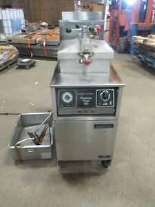 Henny Penny Model 600 Pressure Deep Fryer W filter Natural Gas