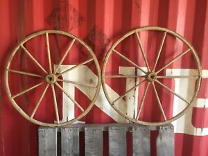 Pair Of Vintage Antique 30 5 Used Wooden Carriage Buggy Wagon Wheels 10 Spokes