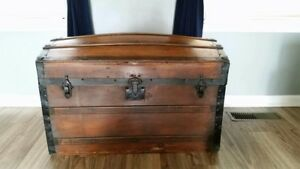 Antique Trunk Chest Pick Up Only
