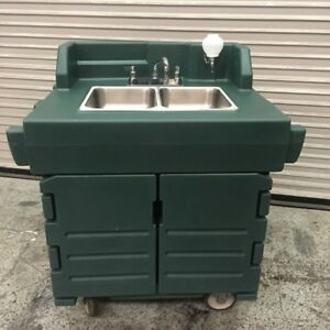 2 Compartment Portable Hand Wash Sink Mobile Station Cart Cambro 7763