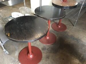 24 Round Wood Table 7019 Commercial Restaurant Cafe Bakery Indoor Dining