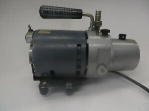 Central Scientific Company 1 4 Hp Benchtop Vacuum Pump Model 90700 745
