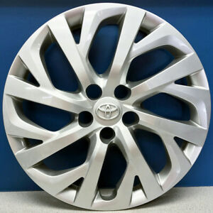 One 17 18 Toyota Corolla Le 61181 16 Hubcap Wheel Cover 42602 02530 New