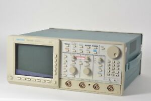 As Is Tektronix Tds 640 4 channel Digitizing 2 Gs s 500 Mhz Oscilloscope