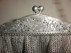 Beautiful Antique Sterling Silver Mesh Purse Chased Flowers Decoration French