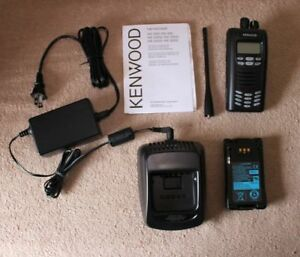 Kenwood Nx 300 K4 Uhf Digital Transceiver Portable Radio W Charger Battery