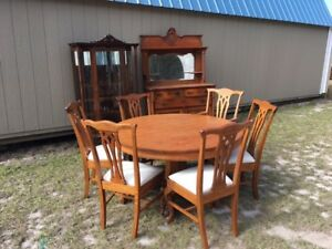 Vintage Quartersawn Oak Dining Room Set Table 6 Chairs China Cabinet