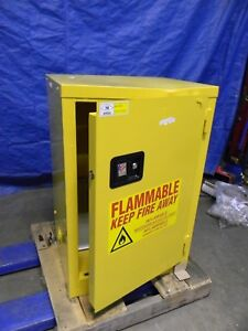 Jamco Yellow Steel Safety Cabinet For Flammable Chemicals 1 Door 1 Shelf Bj12